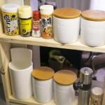 1×4材でキッチンラック(調味料棚)を作成。Seriaのレターボックスも活躍!