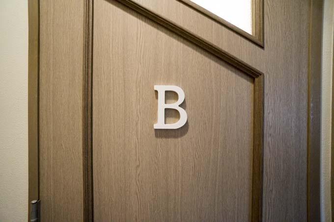 ドア中央に